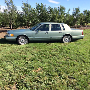 1994 Lincoln Town Car Executive Other