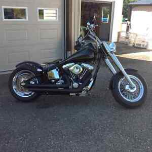 Custom harley with 3000 kms.