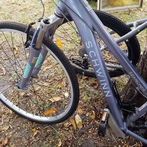 Schwinn womens bike