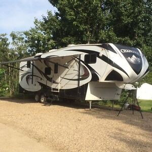 Chaparral 269BHS fifth wheel