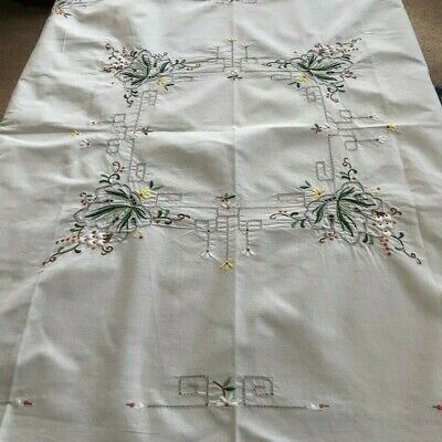 Vintage Embroidered Hand Cut Work Linen Luncheon  Afternoon Tea Table Cloth
