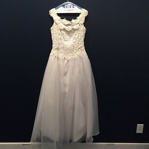 Off White Wedding Dress, one piece West Island Greater Montréal image 1