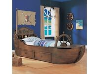 Pirates of the carribean bed and chest of drawers