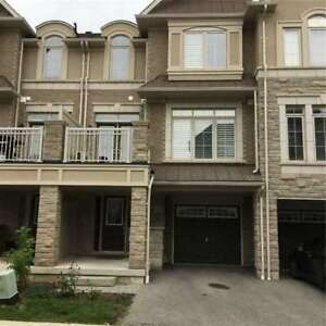Newer 2-bedroom townhouse in West Oakville