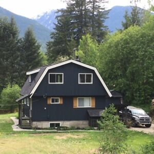 Nelson/Balfour BC Gambrel Roof Cottage home for sale