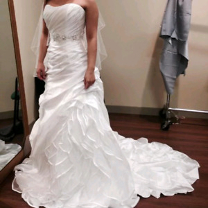JAI Bridal Wedding Dress