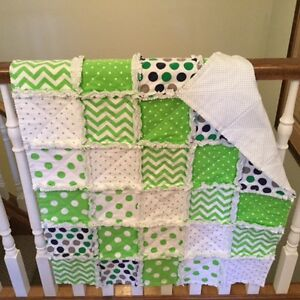 CRIB QUILT - LIME GREEN RAG QUILT London Ontario image 1
