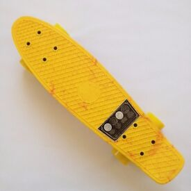 Penny Skateboard Original 22″ Marble Yellow Complete brand new