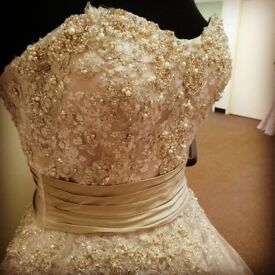 Designer Wedding Dress FOR SALE - Size 10-12, vintage style, tea length - Justin Alexander Dress
