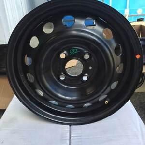 4 BLACK PURSUIT RIMS 14X5.5 Bentley Canning Area Preview