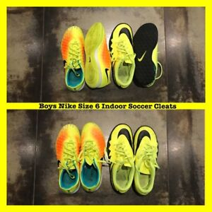 Boys Nike Indoor Soccer Shoes Size 6