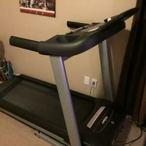 Tempo Treadmill 632T Almost New