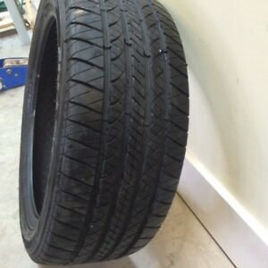Kelly Edge A/S Performance Tire, 225/45R18. 1725 km