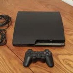 SELLING PS3 WITH 30+ GAMES AND 2 CONTROLLERS