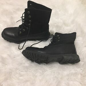 New Size 8.5 woman's Timberland boots Peterborough Peterborough Area image 4