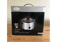Swan slow cooker - new and boxed