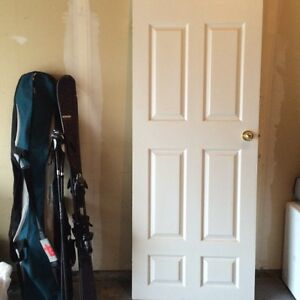 Door like new - 79 x 32 with handle