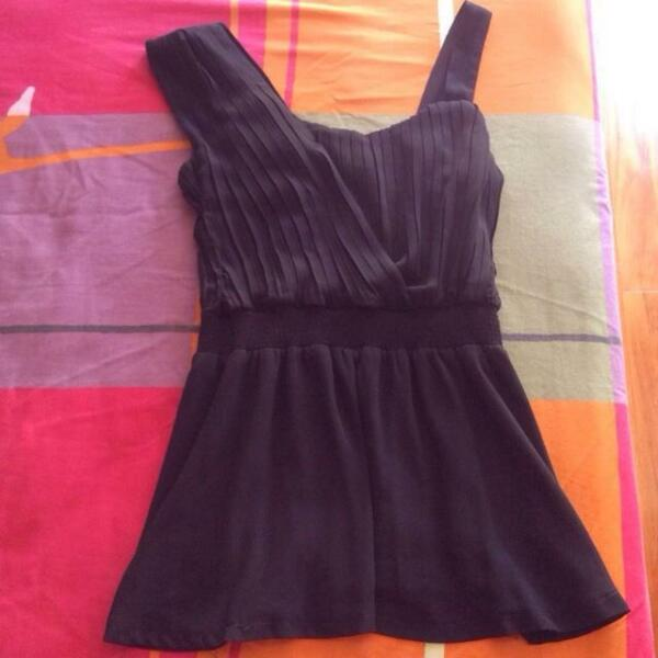 Like New Yoco Black Chiffon Asymmetrical Sleeveless Top