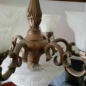Beautiful Victorian Style light fixture West Island Greater Montréal image 3