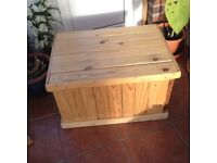 Pine Timber Storage Box suitable for storing toys, magazines, etc.