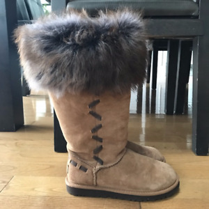 WOMEN UGG BOOTS SIZE 5