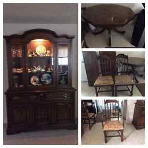 *** REDUCED ****  KNECHTEL DINING SET (Hanover) $500 !!!! or OBO