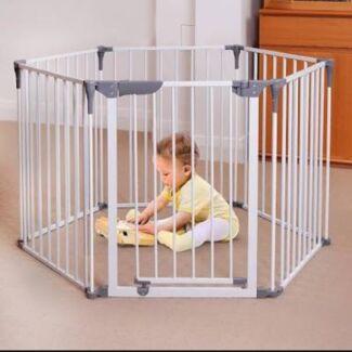 Dreambaby Royal Converta 3 in 1 playpen/ baby gate