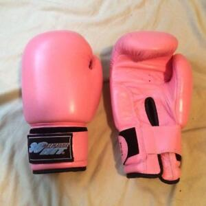 30 Minute Hit Women's Pink Boxing Gloves