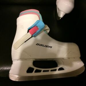 Girls Bauer Skates - Youth size 8/9