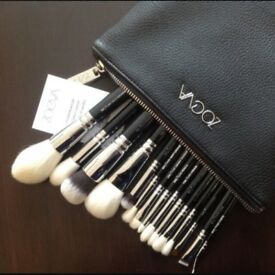 Brand new 15 pieces zoeva luxe complete set makeup brushes cosmetics make up brush ki