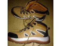 Rocklander boots size 9 never worn