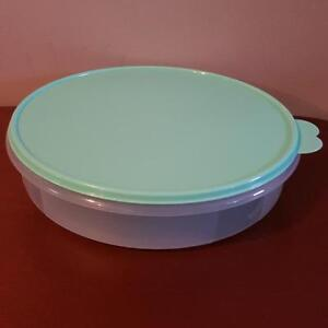 Tupperware pie and baked goods container