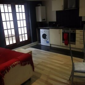 Brixton three double bedroom flat close to all amenities