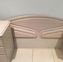 Queen size bed frame and 3 side drawes North Narrabeen Pittwater Area Preview