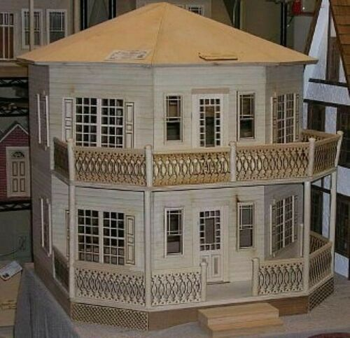 Dollhouse The Octagon House 1/12 Scale by Alessio Miniatures - Assembled