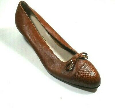 Salvatore Ferragamo Boutique Women's Brown Leather Cognac Snake Cap Toe Pump 7C Cognac Leather Pump