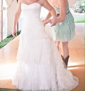 Wedding dress, strapless, lace with button back London Ontario image 3