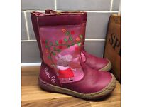 Lovely girls Peppa Pig winter purple boots size 8 kids worn twice