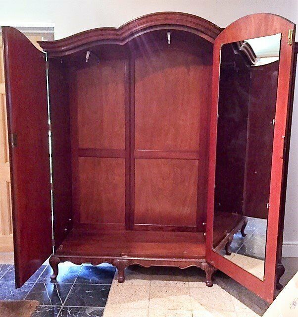 VINTAGE TRIPLE WARDROBE. BEAUTIFUL BURR WALNUT VENEER