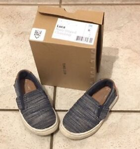 Toddler Size 6 Toms in EUC
