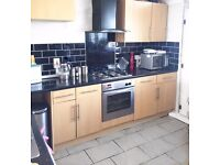 THREE BED HOUSE IN NORTH LONDON NEEDED TO COMPLETE A THREE-WAY-SWAP