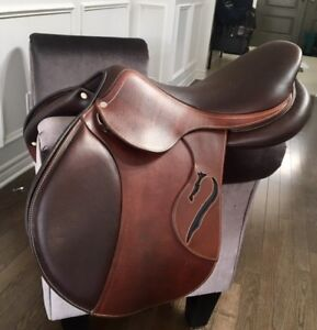 New Antares Connexion Jumping Saddle