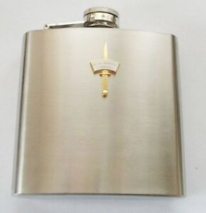 42-COMMANDO-ROYAL-MARINES-DAGGER-AND-PATCH-HIP-FLASK-GOLD-OR-SILVER-BADGE