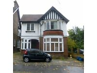 Refurnished 1 Bedroom Flat in Croydon (AC) All Universal Credit and DSS Tenants are welcome