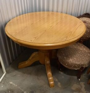 Solid Oak Dining Room Table and 4 Chairs