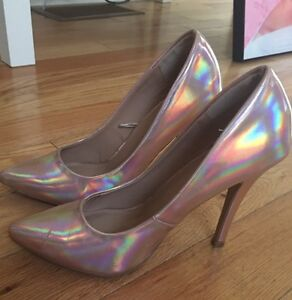 Forever 21 Holographic Print High Heel Shoes Size 7 London Ontario image 1