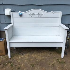 Beautiful, solid decorative bench.