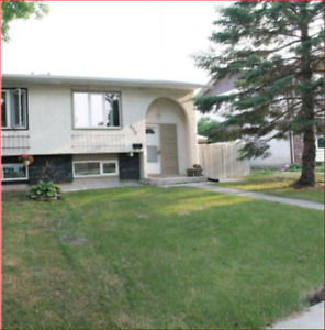 Fantastic 3-bedroom side-by-side in Canterbury Park