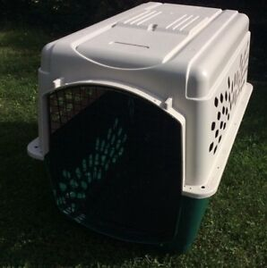LARGE DOG KENNEL (40X27)