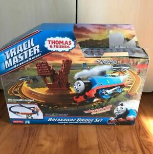 1 SET ET 15 TRAIN ELECTRIQUE THOMAS AND FRIENDS